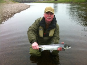 Gary-with-5lbs.-first-grilse-30.05.12